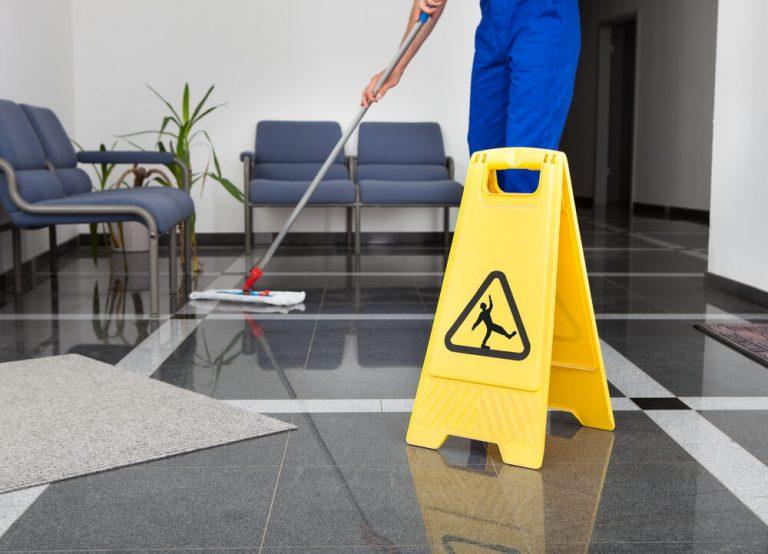 האזורים הנחבאים במשרד שלא ידעתם שאתם חייבים לנקות